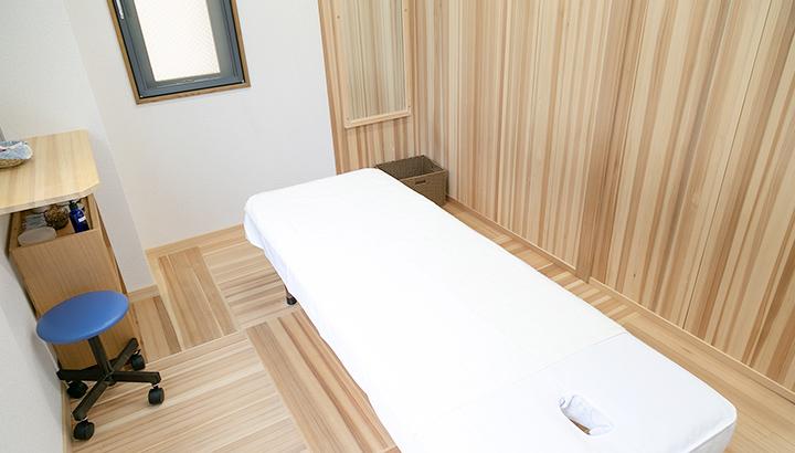 空鍼癒院 鍼灸院 烏丸 リラックス空間 個室